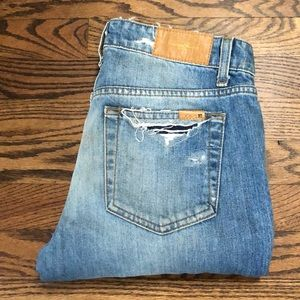 JOES JEANS BF CUT DENIM IN KIKI WASH (size 26)